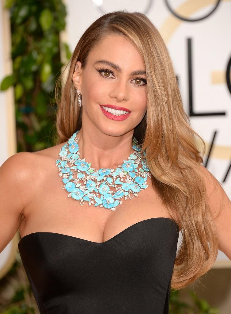 sofia-vergara-golden-globes-necklace_FAB_SUGAR
